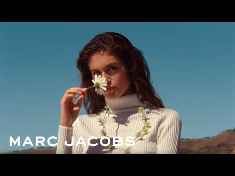 Marc Jacobs - Daisy Love Advert