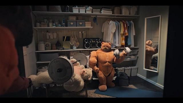 2021 IKEA Advert-Bears Weightlifting